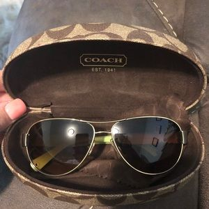 Coach sunglasses: Aviators